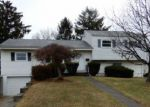 Foreclosed Home en ARENA DR, Trenton, NJ - 08610