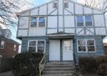 Foreclosed Home en WOODLAWN AVE, Bridgeport, CT - 06606