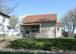 Foreclosed Home en S 4TH AVE, Sioux Falls, SD - 57104