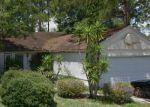 Foreclosed Home en WATTLE TREE RD W, Jacksonville, FL - 32246