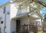 Foreclosed Home en 8TH ST, Waukegan, IL - 60085