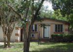Foreclosed Home en RESTLAWN DR, Jacksonville, FL - 32208