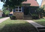 Foreclosed Home en JUDGE AVE, Waukegan, IL - 60085