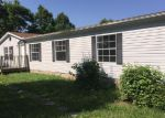 Foreclosed Home en BAKER RIDGE RD, Waverly, TN - 37185