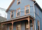 Foreclosed Home en MAPLE PL, Middletown, CT - 06457