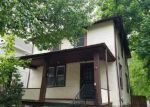 Foreclosed Home en PEMBROKE AVE, Lansdowne, PA - 19050