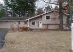 Foreclosed Home en GLEN IRIS DR, Commerce Township, MI - 48382