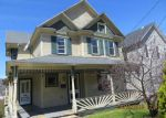 Foreclosed Home en S VALLEY AVE, Olyphant, PA - 18447