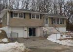 Foreclosed Home en CAPITOL AVE, Waterbury, CT - 06705