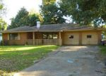 Foreclosed Home en NEWFIELD LN, Beaumont, TX - 77707
