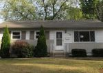 Foreclosed Home en FERNBROOK DR, Florissant, MO - 63031