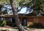Foreclosed Home en SANTA CRUZ DR, Dallas, TX - 75227