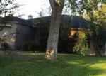 Foreclosed Home en EMBER LN, Beaumont, TX - 77707