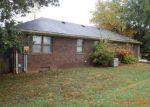 Foreclosed Home en GREENBRIER DR, Mount Vernon, IN - 47620