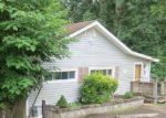 Foreclosed Home en W OUTER DR, Oak Ridge, TN - 37830