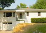 Foreclosed Home en LORRAINE DR, Bellevue, NE - 68005