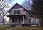 Foreclosed Home en BEACH AVE SE, Huron, SD - 57350