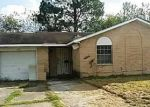 Foreclosed Home en SOUTHSPRING DR, Houston, TX - 77047