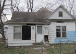 Foreclosed Home en S BABCOCK AVE, Sedalia, MO - 65301