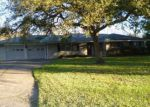 Foreclosed Home en CROW RD, Baytown, TX - 77520