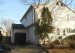 Foreclosed Home en JOHNSON AVE, Stratford, CT - 06614