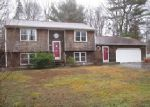 Foreclosed Home en PINECREST DR, Exeter, RI - 02822