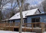 Foreclosed Home en SUNSHINE LN, Tobyhanna, PA - 18466