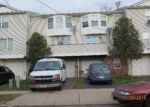 Foreclosed Home en N TALMADGE ST, New Brunswick, NJ - 08901