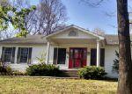 Foreclosed Home en E HUTCHINSON RD, Mount Vernon, IL - 62864
