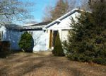 Foreclosed Home en SYCAMORE DR, West Warwick, RI - 02893