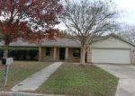 Foreclosed Home en MEADOWLARK, Pleasanton, TX - 78064