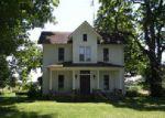 Foreclosed Home en CORWIN ST, Dowagiac, MI - 49047