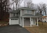 Foreclosed Home en VALE WAY, Hopatcong, NJ - 07843