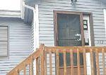 Foreclosed Home en LAKE VISTA DR, East Hampton, CT - 06424