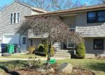 Foreclosed Home en KILLEY AVE, Warwick, RI - 02889