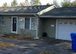 Foreclosed Home en BUCKLEY AVE, West Warwick, RI - 02893