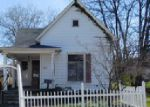 Foreclosed Home en N JACKSON ST, Harrisburg, IL - 62946