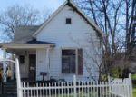 Foreclosed Home en N JACKSON ST, Harrisburg, IL - 62946