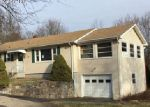 Foreclosed Home en HODDER DR, Hamden, CT - 06514