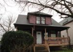 Foreclosed Home en S MCALISTER AVE, Waukegan, IL - 60085