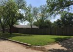 Foreclosed Home en PARIS DR, Grand Prairie, TX - 75050