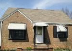 Foreclosed Home en CAMBRIDGE AVE, Elyria, OH - 44035