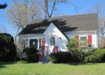 Foreclosed Home en S SUMMIT AVE, Patchogue, NY - 11772