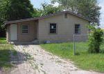 Foreclosed Home en E PINE ST, Seguin, TX - 78155