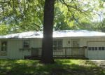 Foreclosed Home en 13TH ST, Grandview, MO - 64030
