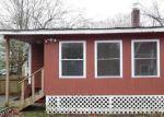 Foreclosed Home en ELLIS RD, East Hampton, CT - 06424