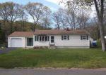 Foreclosed Home en DANIEL DR, New Haven, CT - 06513