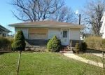 Foreclosed Home en CRUIKSHANK AVE, Hempstead, NY - 11550