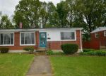 Foreclosed Home en FIELDVIEW RD, Gwynn Oak, MD - 21207