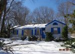 Foreclosed Home en GREENVILLE AVE, Johnston, RI - 02919